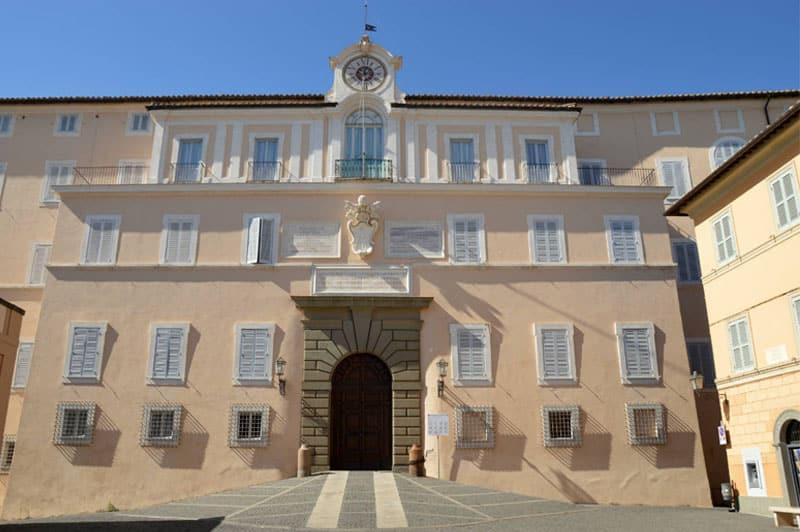 palazzo-apostolico-castel-gandolfo